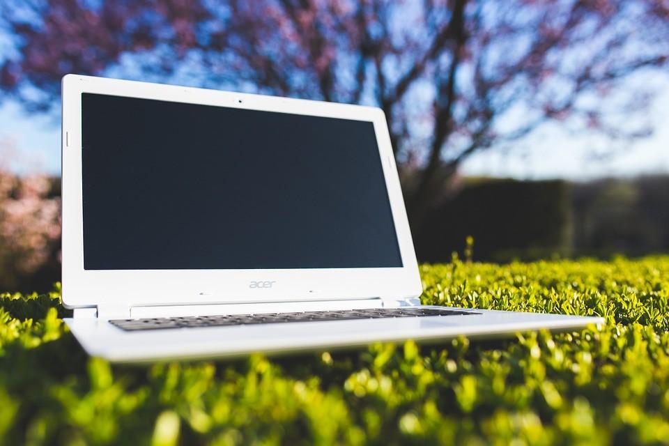 Cum să cumperi cel mai bun stand pentru laptop